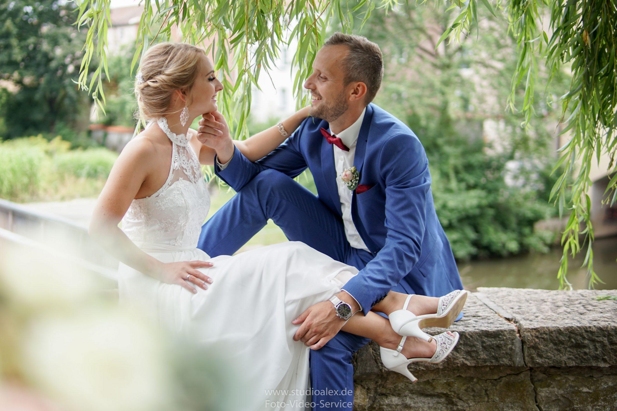 Hochzeitsfotograf-Amberg-Fotograf-für-standesamtliche-Trauung-im-Kümmersbruck.-Hochzeitsfotos-Bayern-07503-scaled.jpg