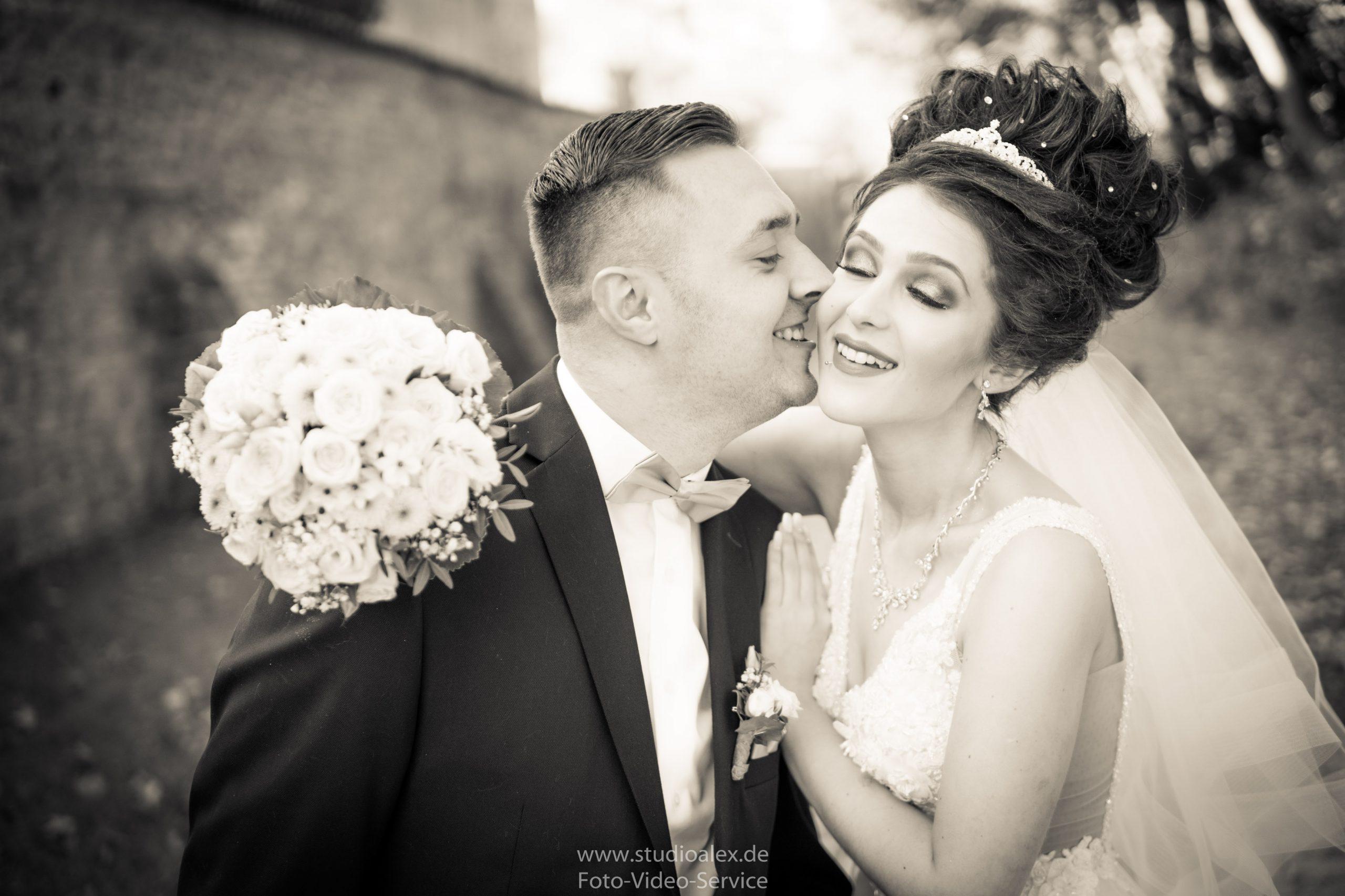 Hochzeitsfotograf-Amberg-Hochzeitsfotografie-Amberg-Hochzeitsfotos-Amberg-Hochzeitsbilder-Amberg-Fotograf-Hochzeit-Amberg-06360-scaled.jpg