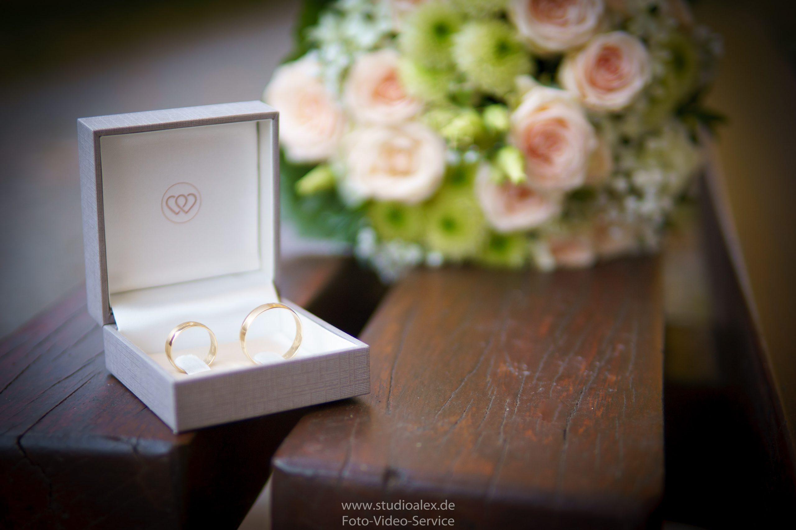 Hochzeitsfotograf-Amberg-Hochzeitsfotografie-Amberg-Hochzeitsfotos-Amberg-Hochzeitsbilder-Amberg-Fotograf-Hochzeit-Amberg-06434-scaled.jpg