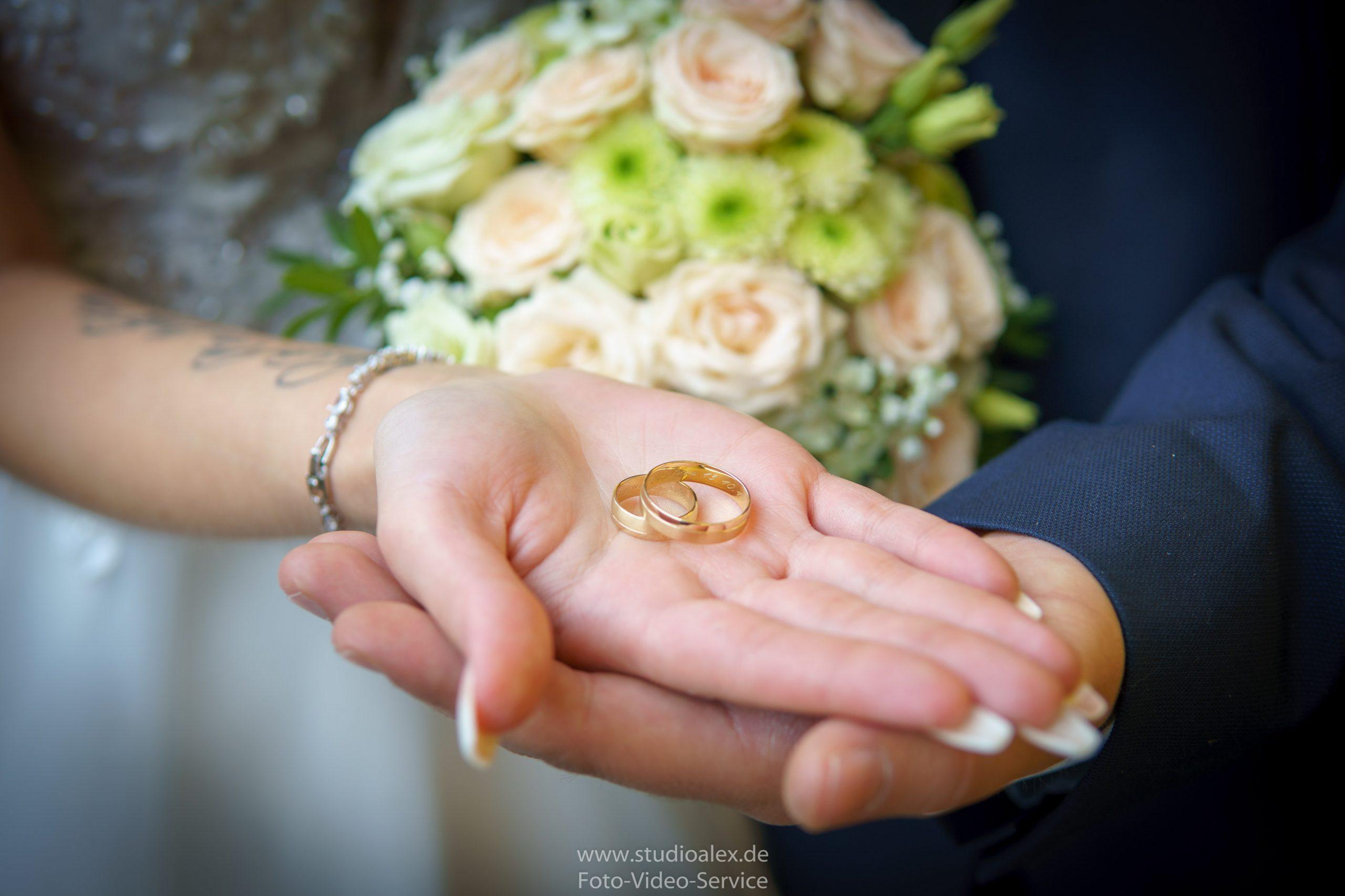 Hochzeitsfotograf-Amberg-Hochzeitsfotografie-Amberg-Hochzeitsfotos-Amberg-Hochzeitsbilder-Amberg-Fotograf-Hochzeit-Amberg-06480-scaled.jpg
